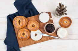 breakfast-bagel-platter