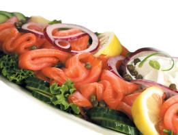 premium-smoked-salmon-platter